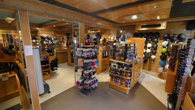 Bergerski skishop in Morzine with skilocker